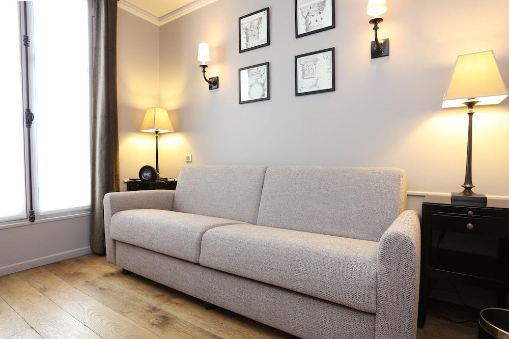 جناح جونيور - غرفة معيشة