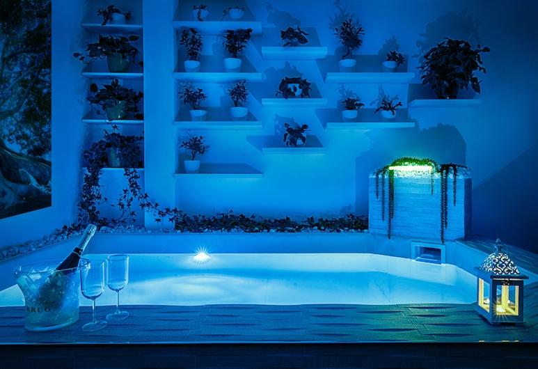Penthouse Station Luxury Suites & Apts, Brindisi, Piscina