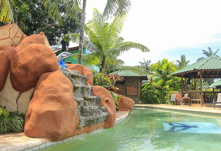 فيلاز بونجالوز بالينا, بايينا, حمام سباحة
