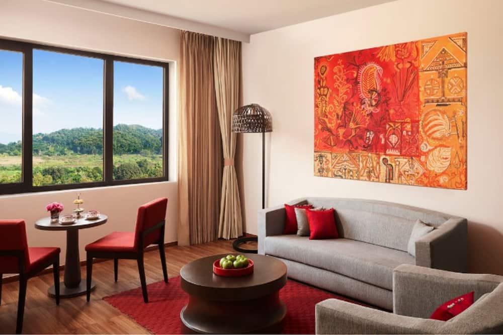 Premium Suite, 1 King Bed, Hill View (Temptation) - Living Area
