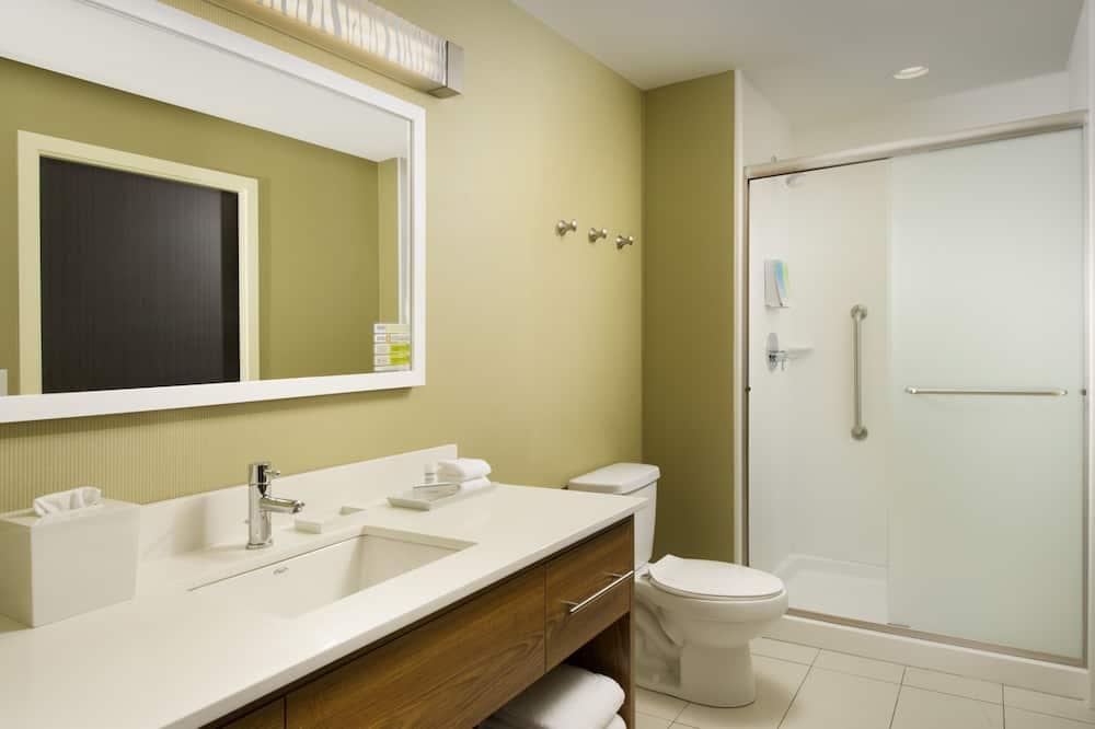 Studio Suite, 1 King Bed, Accessible, Non Smoking (Hearing) - Bathroom
