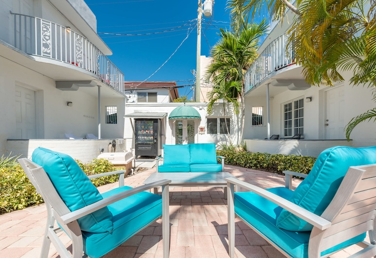 The Courtyard by Royal Stays, Miami Beach