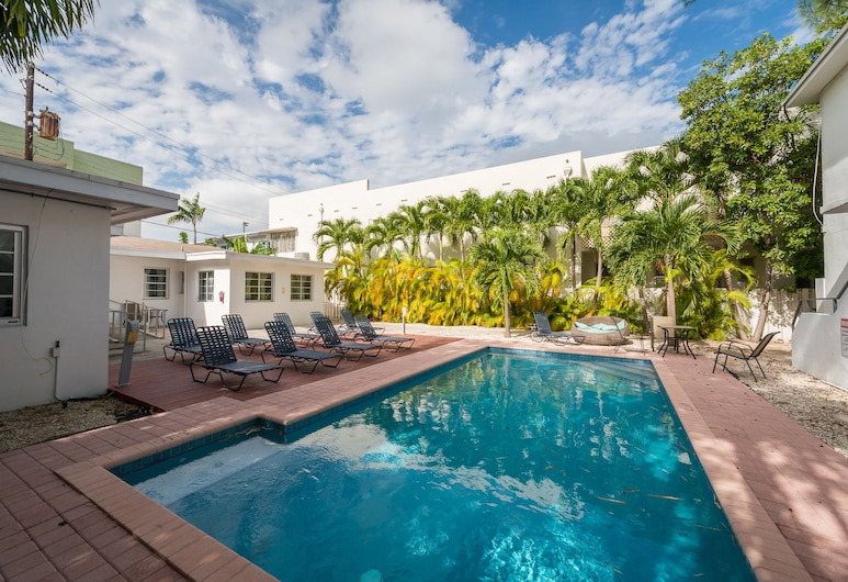 كازا كابي باي رويال ستايز, ميامي بيتش, حمام سباحة