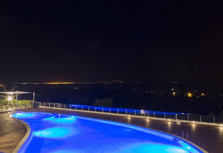 Luzia Agriresort, Ricadi, Pool
