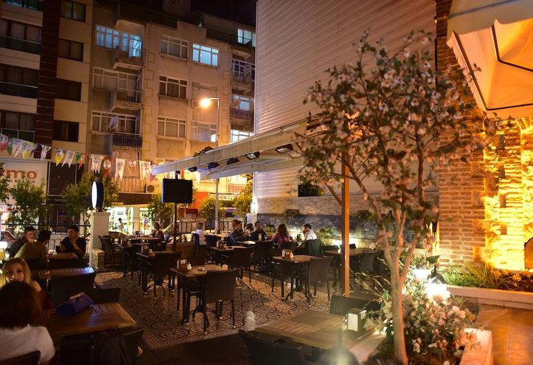 Giritligil Hotel, Manisa, Açık Havada Yemek