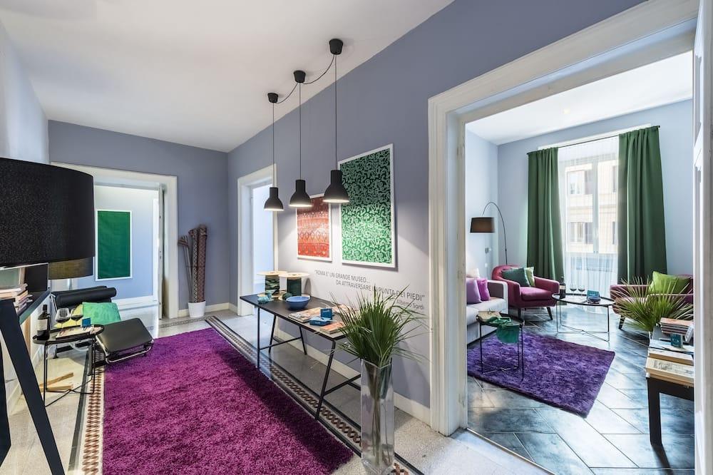 Classic Apartment, 3 Bedrooms - Room