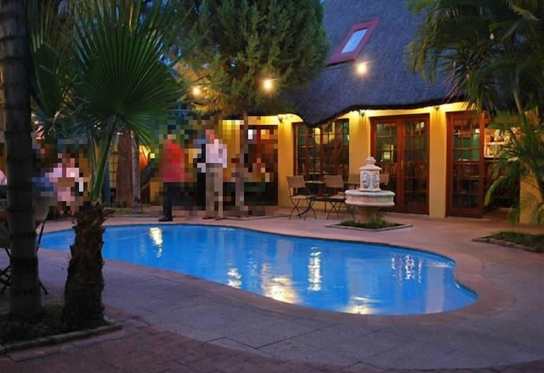 Makalani Hotel, Tsumeb, Bazen