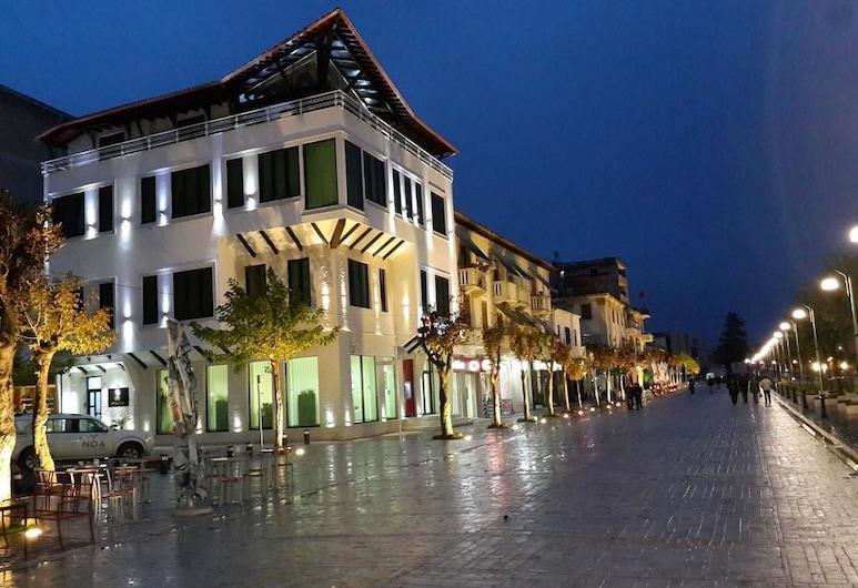 Hotel White City, Berat