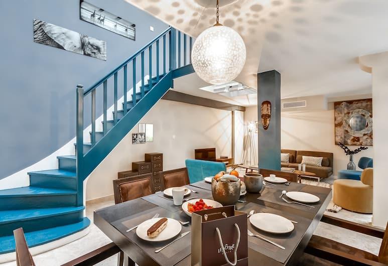 Sweet inn Apartments Trocadero, Paris, Apartment, 2 Bedrooms (57, Rue de la Faisanderie 75016), Staircase