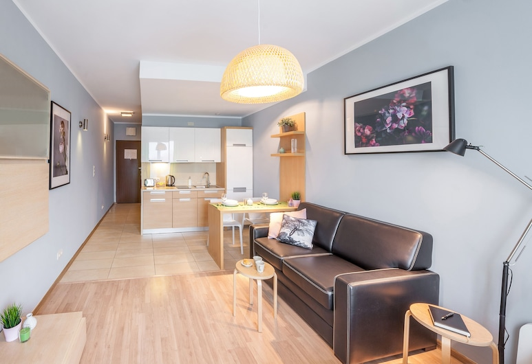 FriendHouse Apartments - City Center, Krakow, Exclusive Studio Suite, Kitchen, City View, Living Area