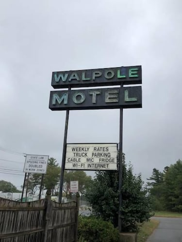 The Walpole Motel Hotel Front