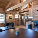 Домик «Делюкс», 2 спальни, кухня, вид на горы (1) - Обед в номере