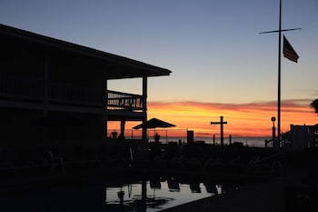 Picture of The White Sands Oceanfront Resort & Spa in Point Pleasant Beach