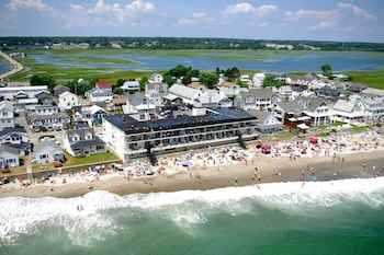 Picture of Atlantic Oceanfront Motel at Wells Beach, Maine in Wells