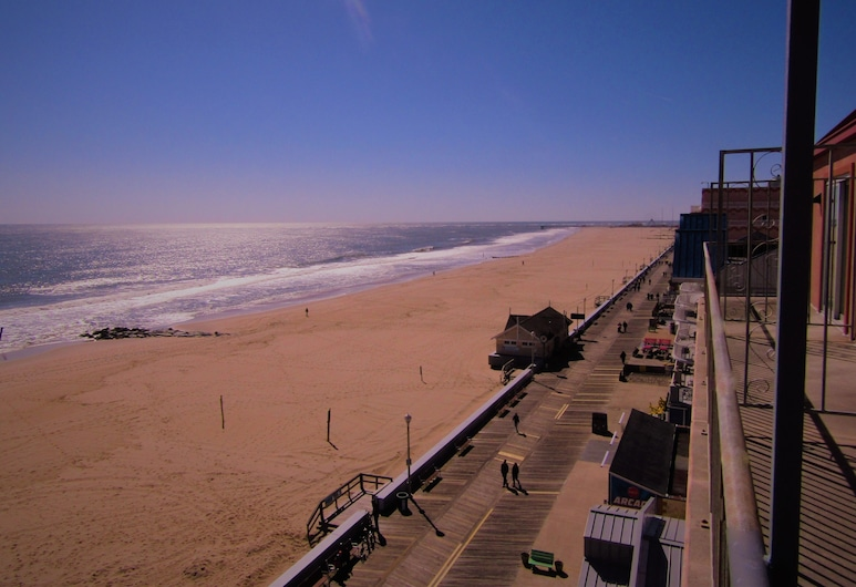 The Americana Hotel, Ocean City, Room, 1 King Bed, Jetted Tub, Beach/Ocean View
