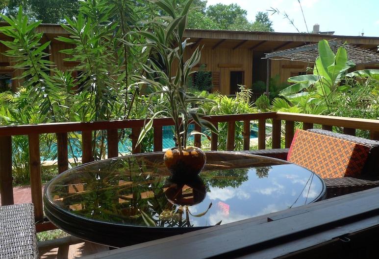 Sok Sabay Resort, Sihanoukville, Deluxe dvokrevetna soba, pogled na vrt, Terasa/trijem