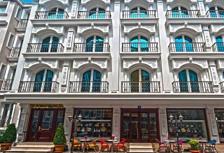 The Magnaura Palace Hotel, Istanbul, Utvendig