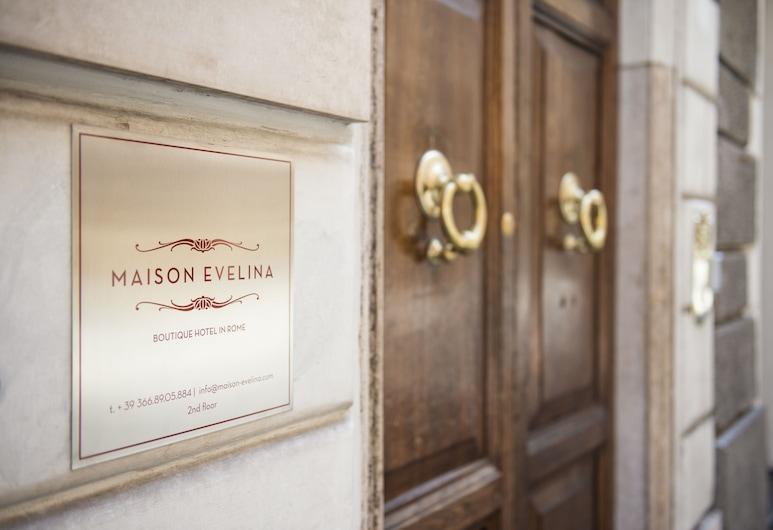 Maison Evelina, Rome, Hotel Entrance