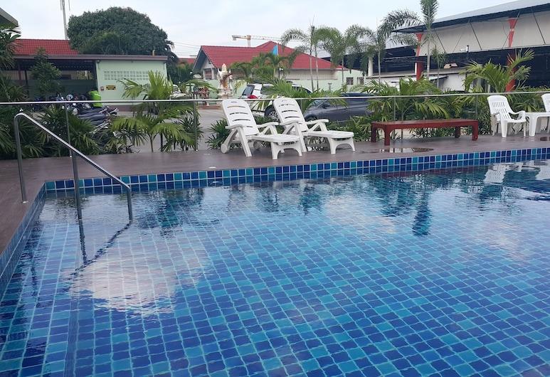 B Space Residence, Pattaya, Hồ bơi ngoài trời