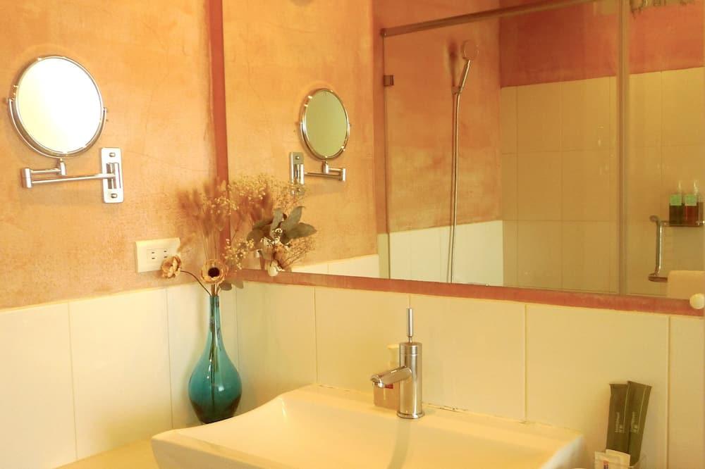 Comfort Double Room, Hot Tub - Bathroom