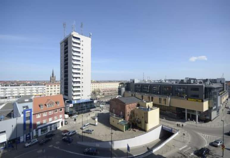 Dom & House - Apartments Quattro Towers, Gdansk, Apartment, 1 Double Bed with Sofa bed, Kitchenette, City View, View from room