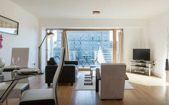 Picture of Gallery Quay 2-bed Apartment in Dublin