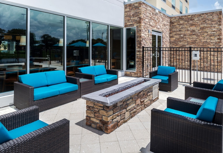 Fairfield Inn & Suites by Marriott Orlando East/UCF Area, Orlando, Zwembad