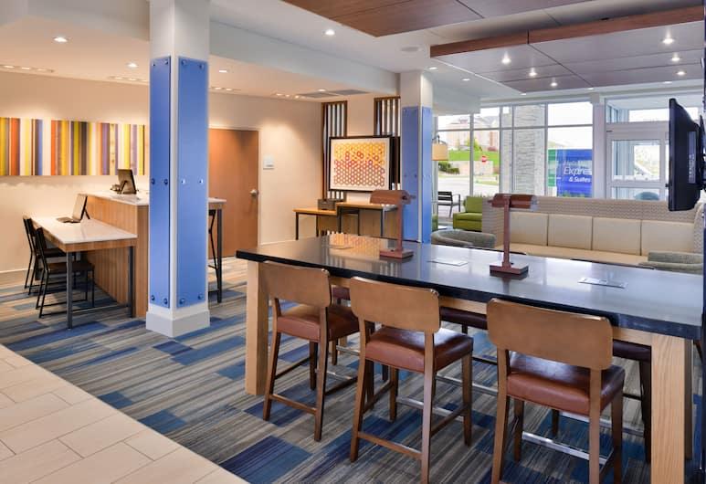 Holiday Inn Express & Suites Madison, Madison, Lobby