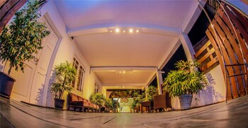 Picture of Blue Water Boutique Hotel in Negombo
