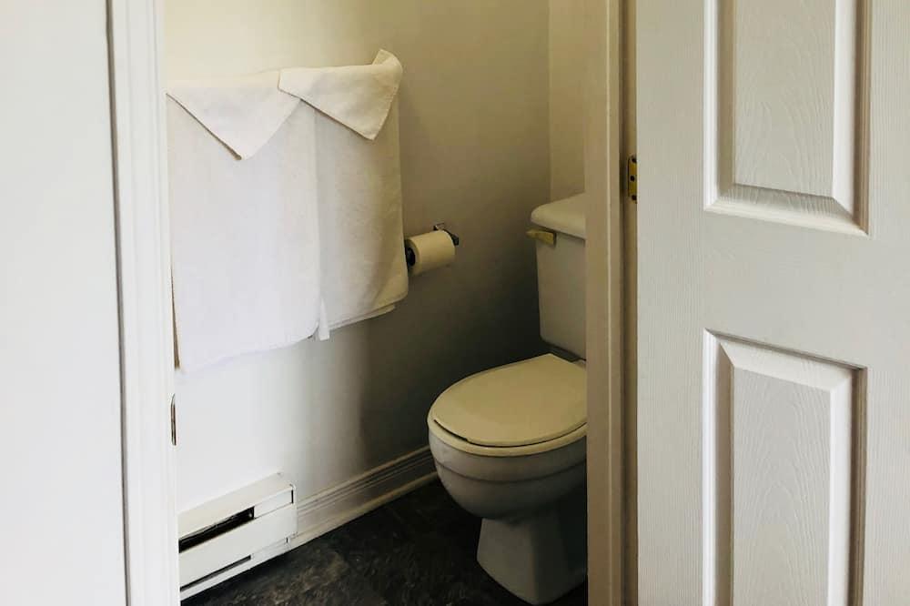 Oda, 1 Çift Kişilik Yatak - Banyo