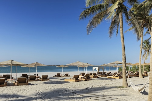 Book Fanar Hotel And Residences In Salalah Hotels Com