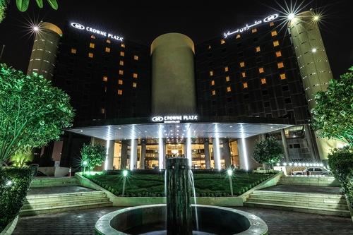 احجز فندق كراون بلازا رياض بالاس في الرياض قارن أسعار الفنادق في الرياض