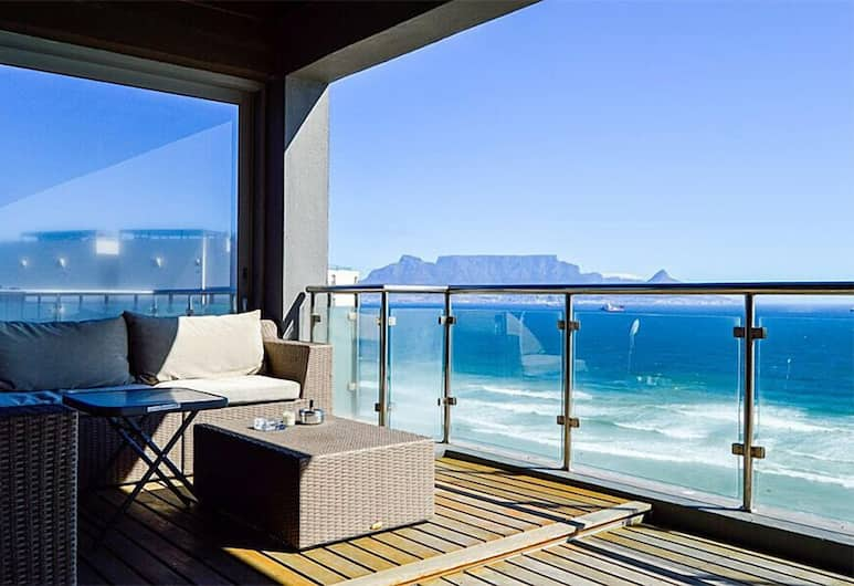 Infinity Self-Catering Apartments, Cape Town, Penthouse, Balcony