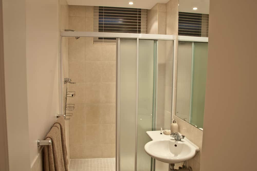 506 Lighthouse Mall (1) - Bathroom