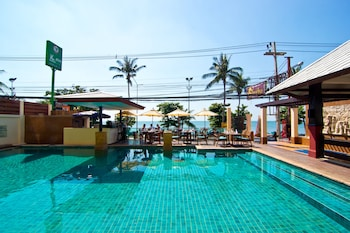 Picture of Sarita Chalet & Spa in Pattaya