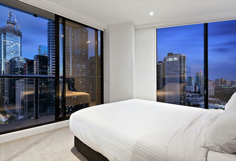 Experience Bella Hotel Apartments, Southbank