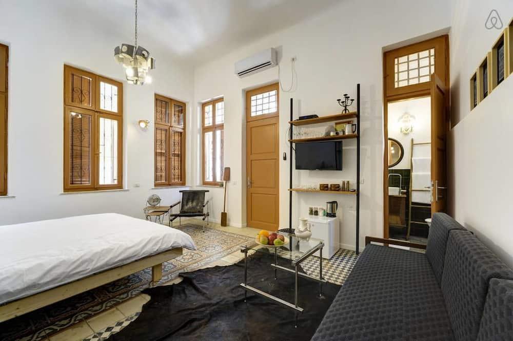 Deluxe Triple Room, Balcony - Guest Room