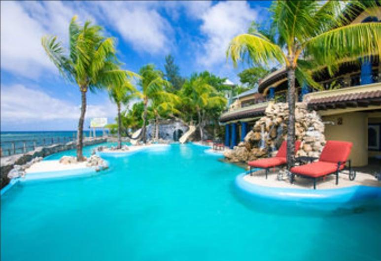 Hacienda Caribe Tesoro, Roatan, Sueños Grandes Three-Bedroom Poolside Villa, Piscine en plein air