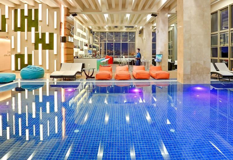 Jasmine Palace Hotel, Yangon, Pool