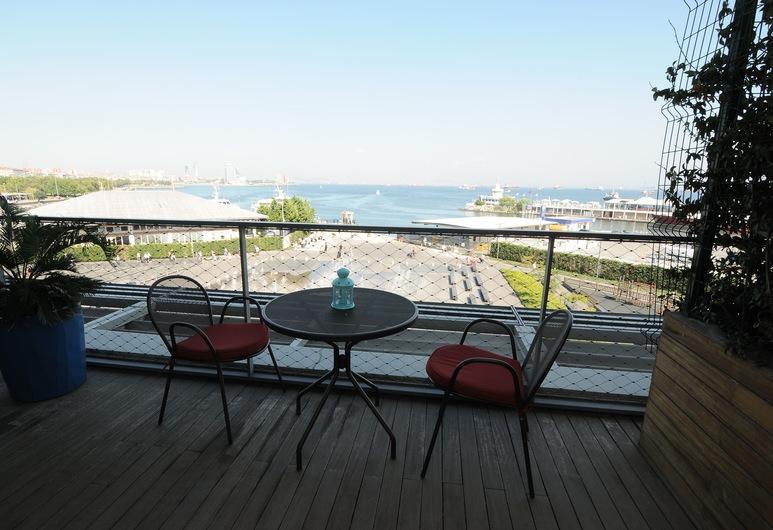 Atakoy Marina Park Hotel Residences, Istanbúl, Fjölskylduíbúð - 1 svefnherbergi - útsýni yfir smábátahöfn (4 people), Svalir