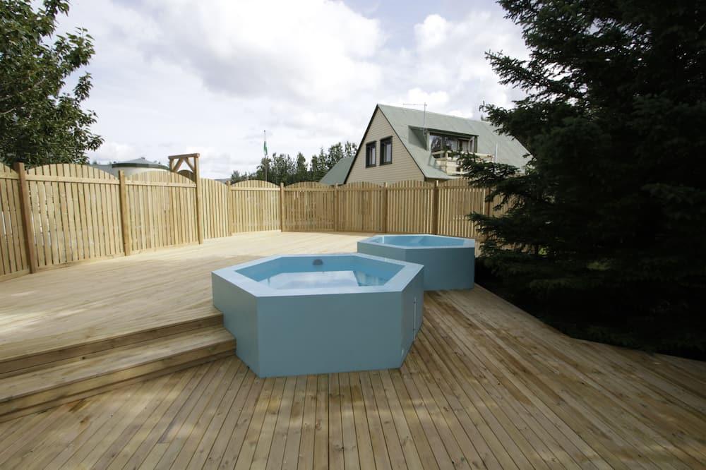 屋外スパ浴槽
