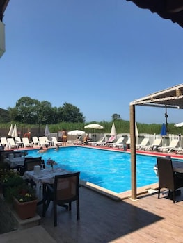Фото Velena Hotel у місті Сайл