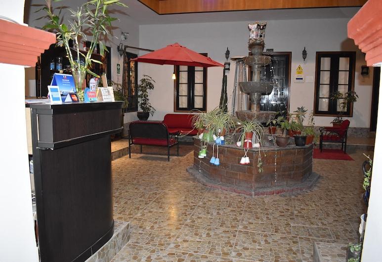 Colonial Plaza Hotel, Puno, Lobby
