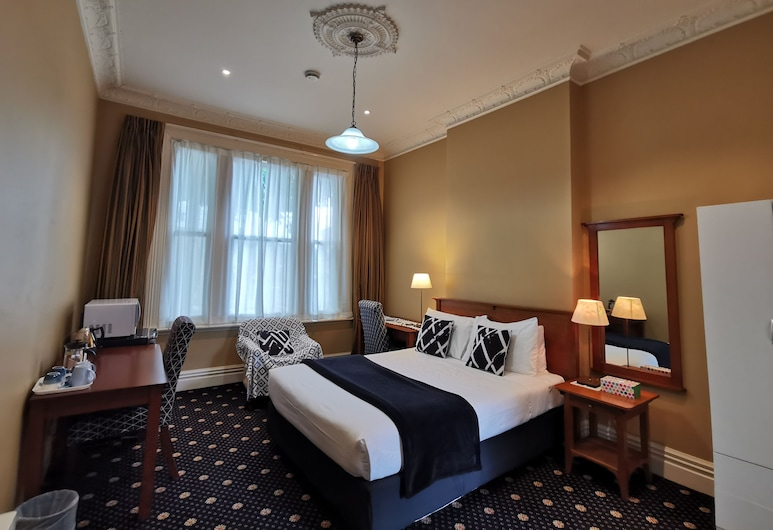 Highland House Boutique Hotel, Dunedin, Queen Room with Private Bathroom, Guest Room