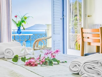 Picture of Armonia Bay Hotel in Samos