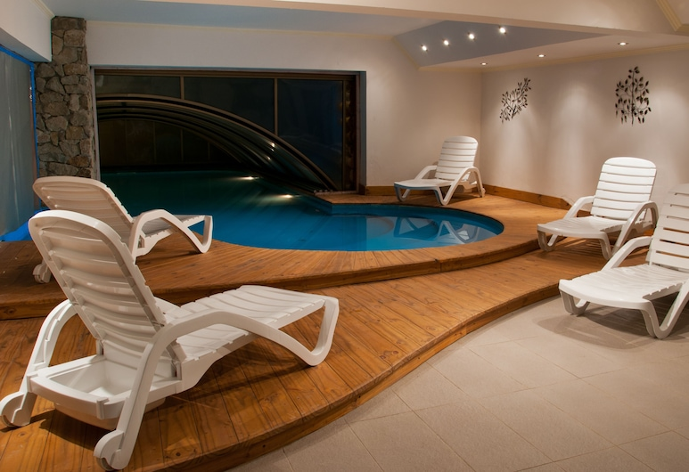 أوستيريا باتاجون, فيا لا أنجوستورا, حمام سباحة