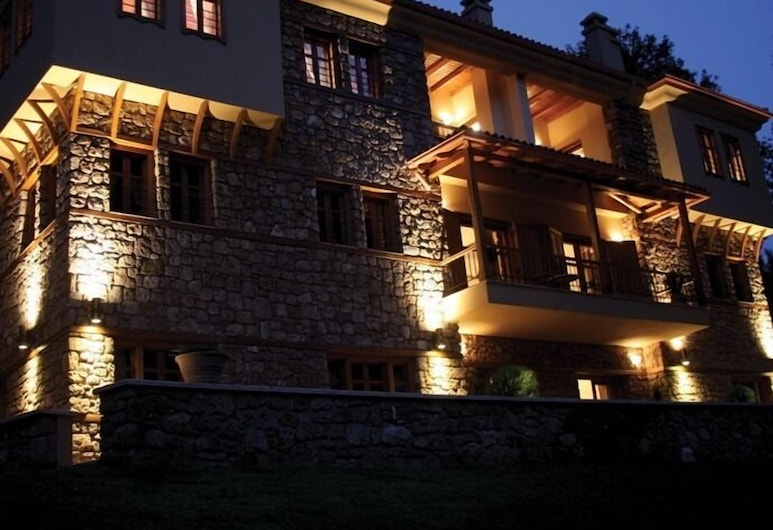 Roes Suites, Almopia, Front of property - evening