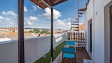 Book this Kitchen Hotel in Setubal