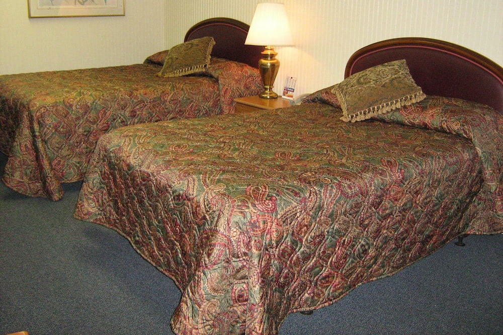 Suite, Hot Tub - Guest Room