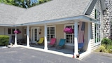 Book this Parking available Hotel in Saugatuck